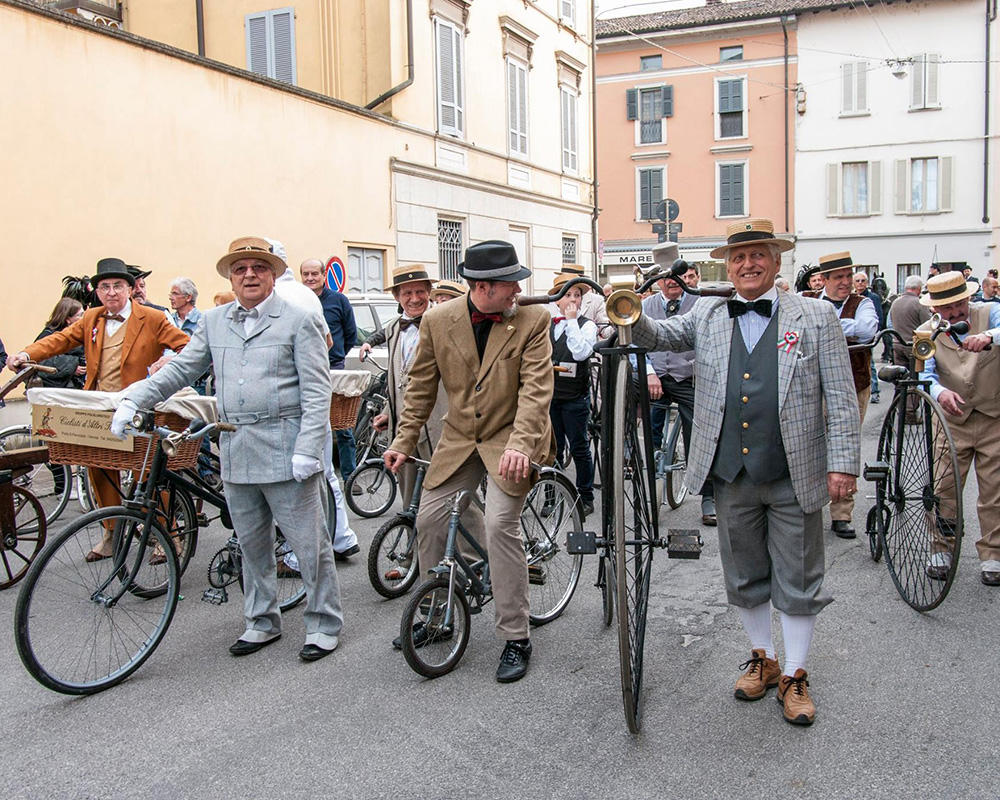 Velocipedi e Biciclette Antiche - Collezione Privata Azzini Soresina (2)